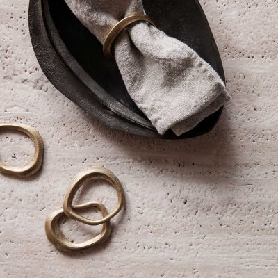 ferm LIVING Flow Napkin Rings Brass (Set of 4)-0